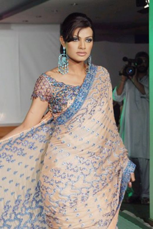 Fashion Show Models Pakitani Fashion People Culture
